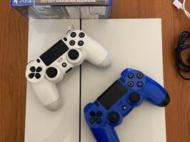 Playstation 4 Blanca 500gb 2 Joysticks 7 Juegos - Imagen 1