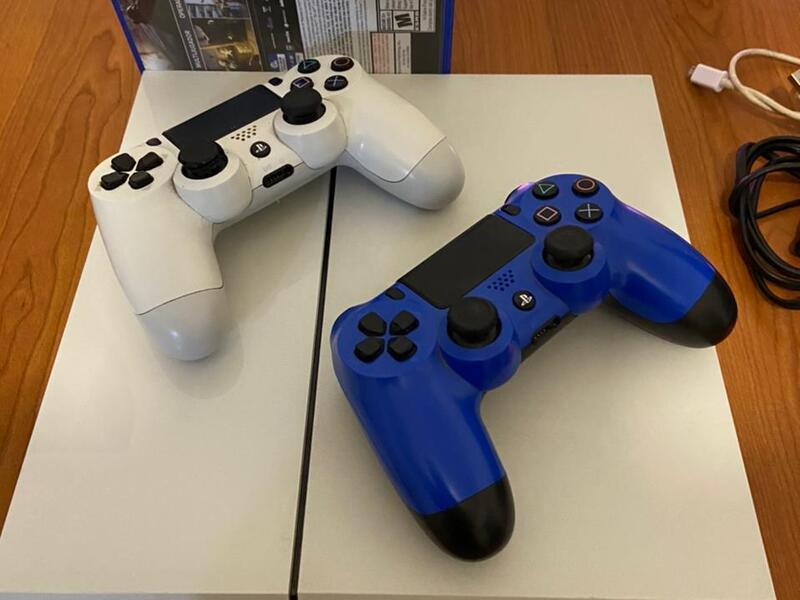 Playstation 4 Blanca 500gb 2 Joysticks 7 Juegos - 3