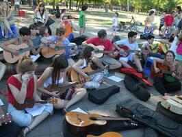 Clases de guitarra, bajo y batería. - Imagen 2