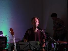 Clases de guitarra, bajo y batería. - Imagen 4