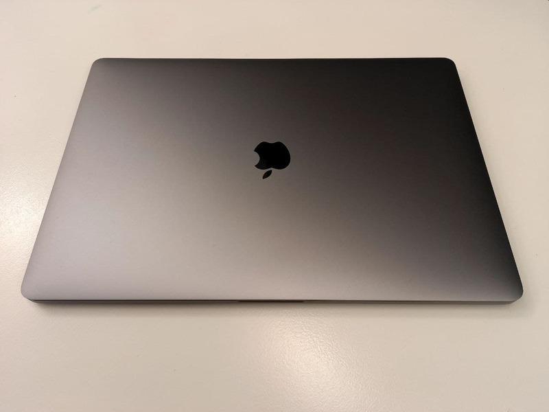 """Macbook Pro 16"""" - 1"""