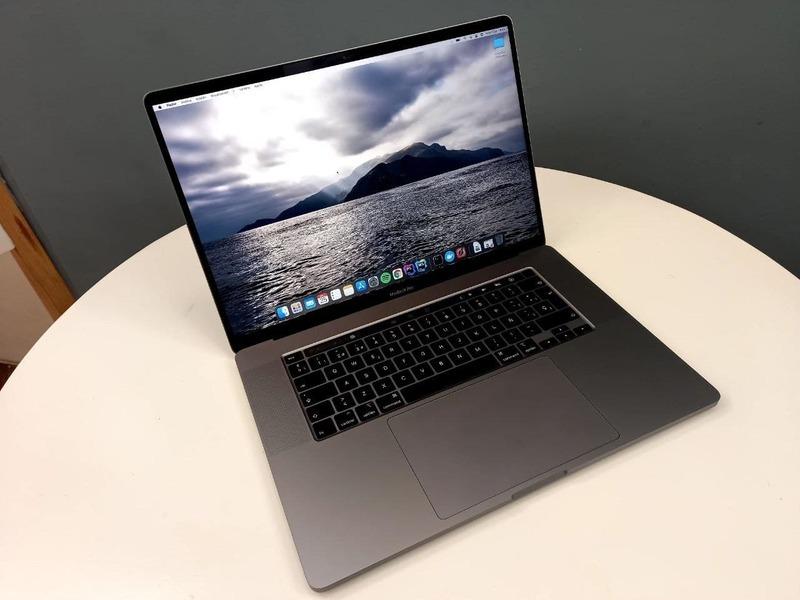 """Macbook Pro 16"""" - 3"""