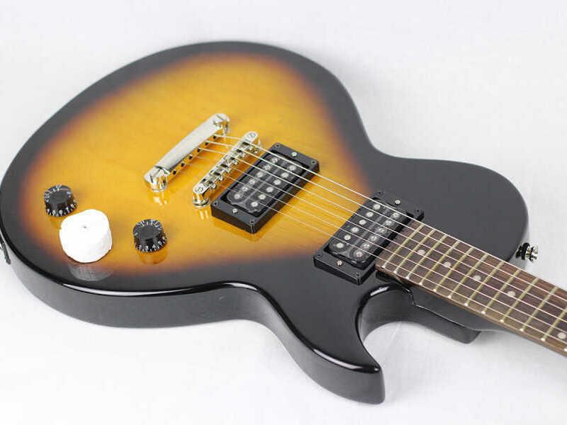 Guitarra Eléctrica Cort CR50 - 2