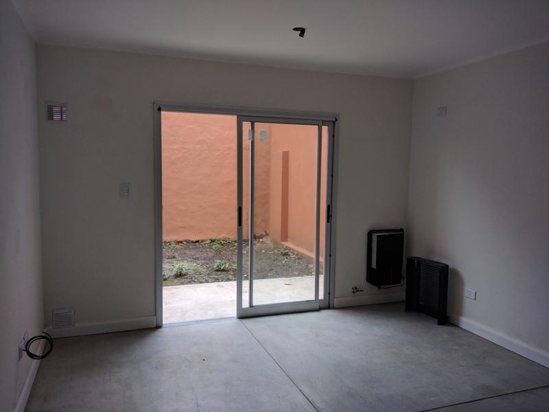 Departamento 2 ambientes y patio, a 5c de Laguna - 4