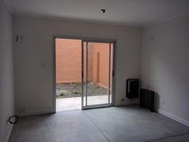 Departamento 2 ambientes y patio, a 5c de Laguna - Imagen 4