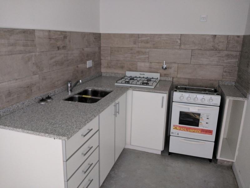 Departamento 2 ambientes y patio, a 5c de Laguna - 5