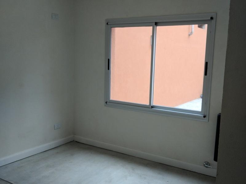 Departamento 2 ambientes y patio, a 5c de Laguna - 7