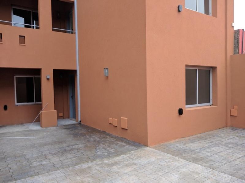 Departamento 2 ambientes y patio, a 5c de Laguna - 10