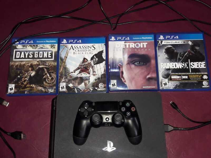 PS4 Slim 1TB, 1 Joystick y 4 juegos - 2