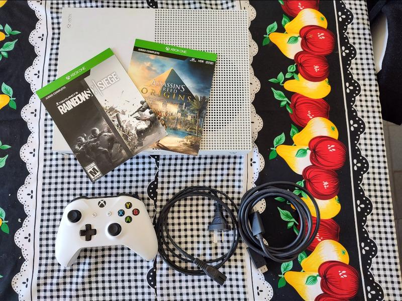 Xbox One S 1TB - 2