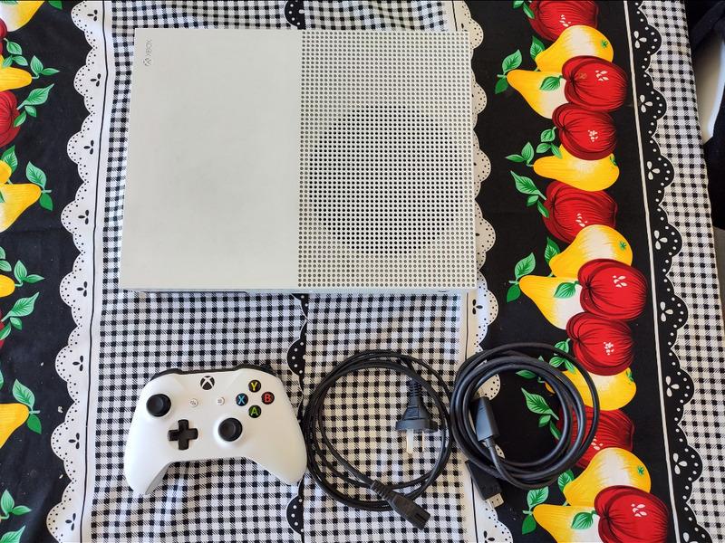 Xbox One S 1TB - 3